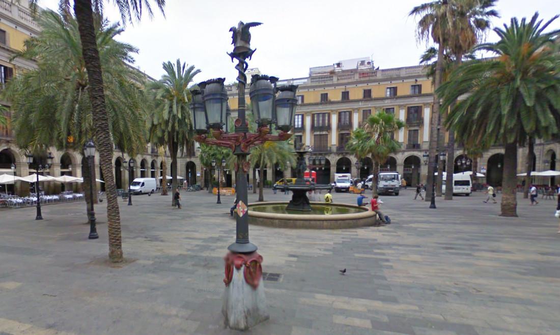 farolas Plaza Real Gaudi